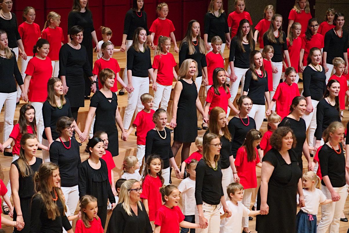 Concert Kinderkoor en Vocaal Ensemble Caloroso o.l.v. Inge Sykora