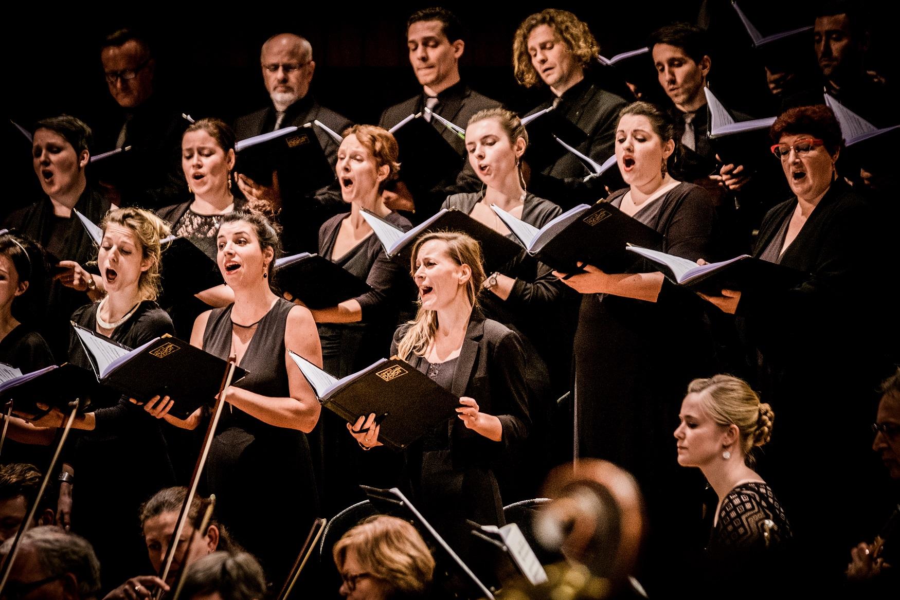 Concert Vlaams Radio Koor o.l.v. Bart Van Reyn